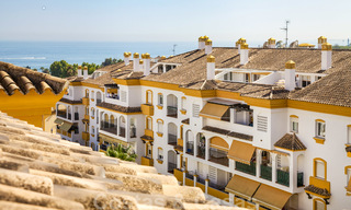 Cosy penthouse with sea views for sale, walking distance to amenities and beach, Golden Mile, Marbella 22322