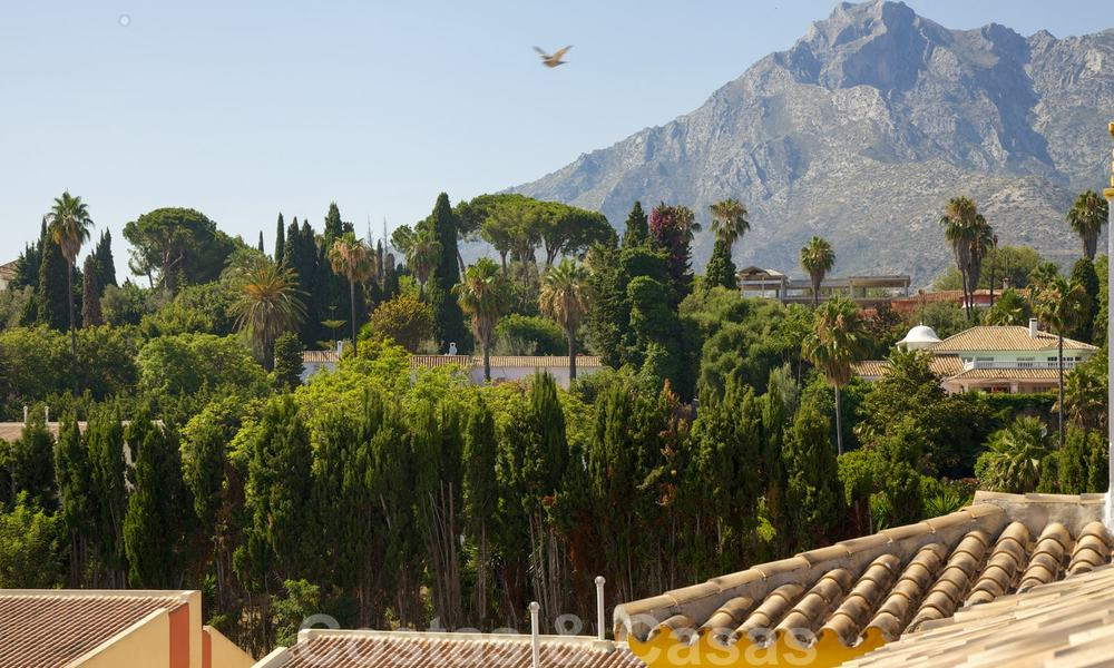 Cosy penthouse with sea views for sale, walking distance to amenities and beach, Golden Mile, Marbella 22323