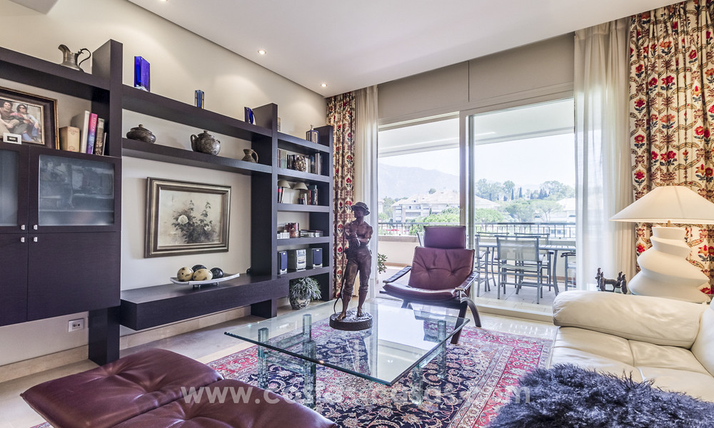 La Trinidad: Timeless luxury apartments for sale with sea views on the Golden Mile, between Puerto Banus and Marbella 22617