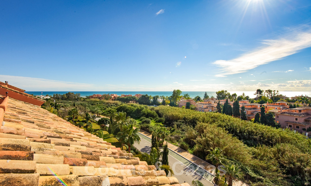 Gran Bahia: Luxury apartments for sale near the beach in a prestigious complex, just east of Marbella town 22996