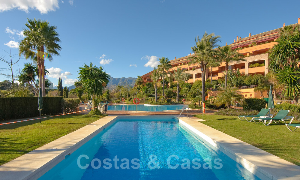 Gran Bahia: Luxury apartments for sale near the beach in a prestigious complex, just east of Marbella town 23005