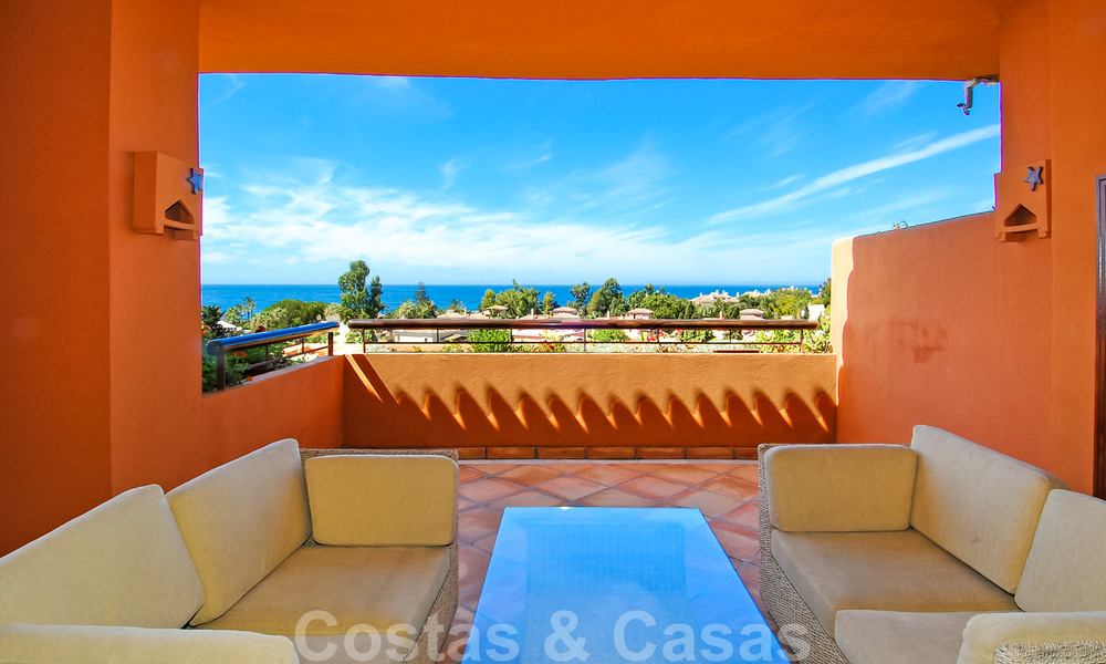 Gran Bahia: Luxury apartments for sale near the beach in a prestigious complex, just east of Marbella town 23009