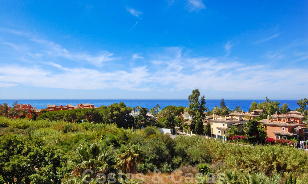 Gran Bahia: Luxury apartments for sale near the beach in a prestigious complex, just east of Marbella town 23012