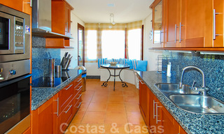 Gran Bahia: Luxury apartments for sale near the beach in a prestigious complex, just east of Marbella town 23014