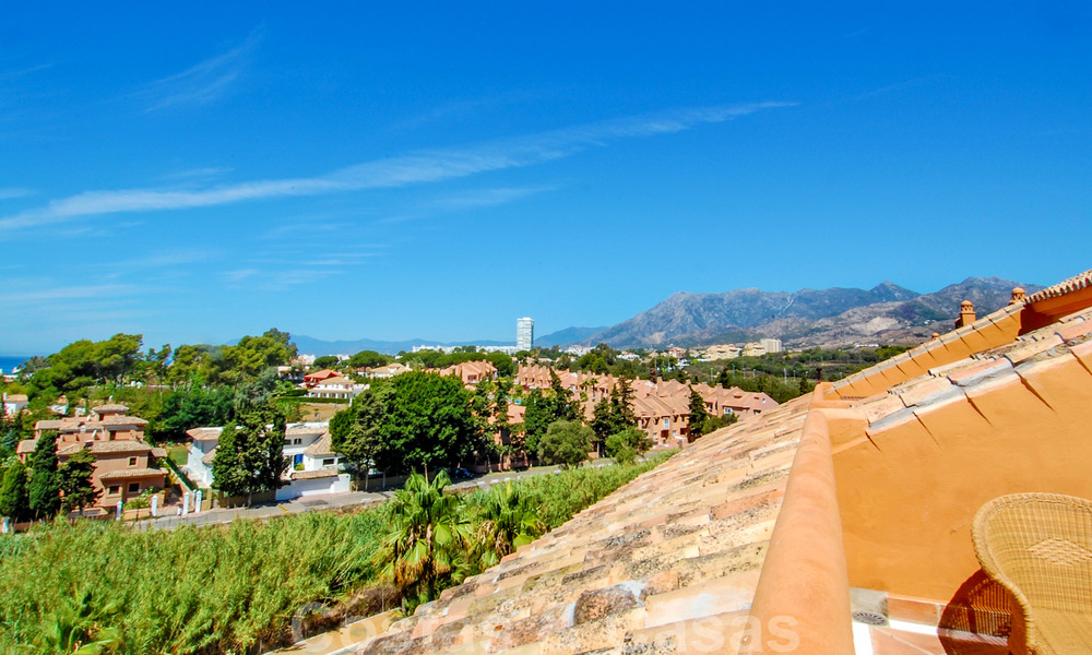 Gran Bahia: Luxury apartments for sale near the beach in a prestigious complex, just east of Marbella town 23023