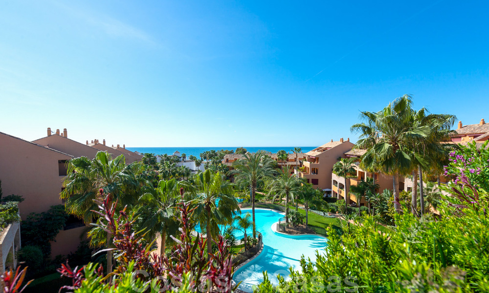 Gran Bahia: Luxury apartments for sale near the beach in a prestigious complex, just east of Marbella town 23034
