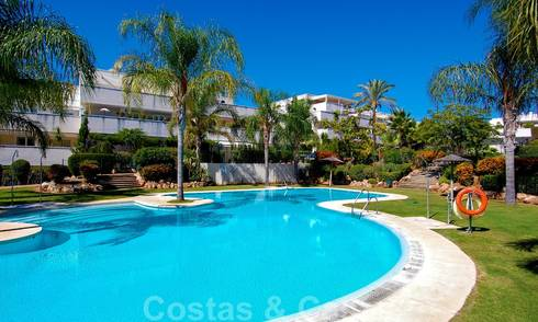 Spacious 3-bedroom apartment for sale in Nueva Andalucia - Marbella, within walking distance of the beach and Puerto Banus 23146