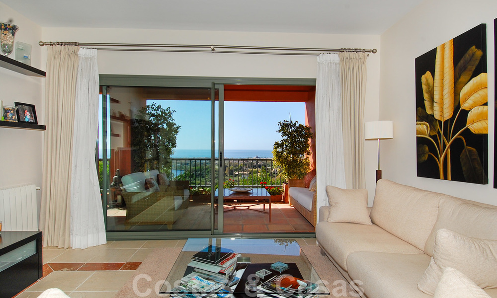 Luxury apartments for sale in Royal Flamingos with stunning views over the golf and sea in Marbella - Benahavis 23571