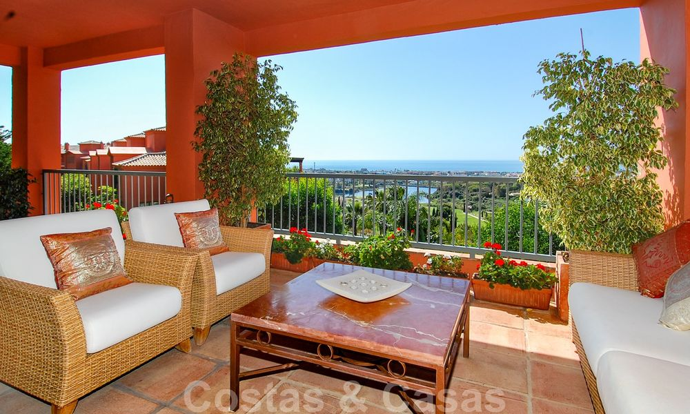 Luxury apartments for sale in Royal Flamingos with stunning views over the golf and sea in Marbella - Benahavis 23572