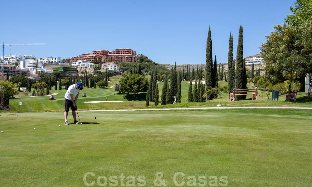 Luxury apartments for sale with gorgeous views over the golf and sea in Marbella - Benahavis 23991