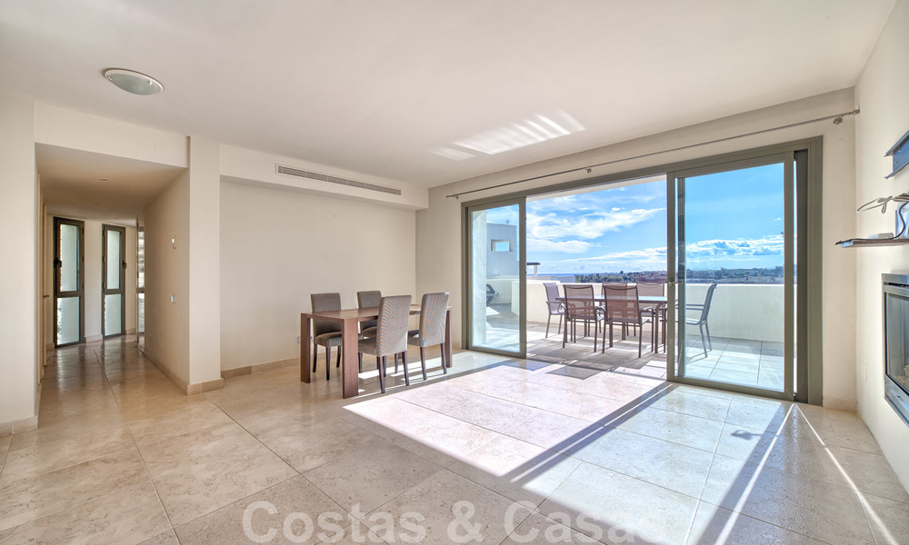 Modern luxury first line golf apartments with stunning golf and sea views for sale in Marbella – Benahavis 24065