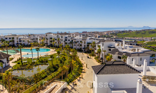 Elegant new modern apartments with panoramic mountain- and sea views for sale in the hills of Estepona 24378