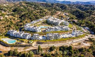 Elegant new modern apartments with panoramic mountain- and sea views for sale in the hills of Estepona 27716