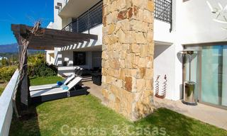 Alanda Los Flamingos Golf: Modern spacious luxury apartments with golf and sea views for sale in Marbella - Benahavis 24669