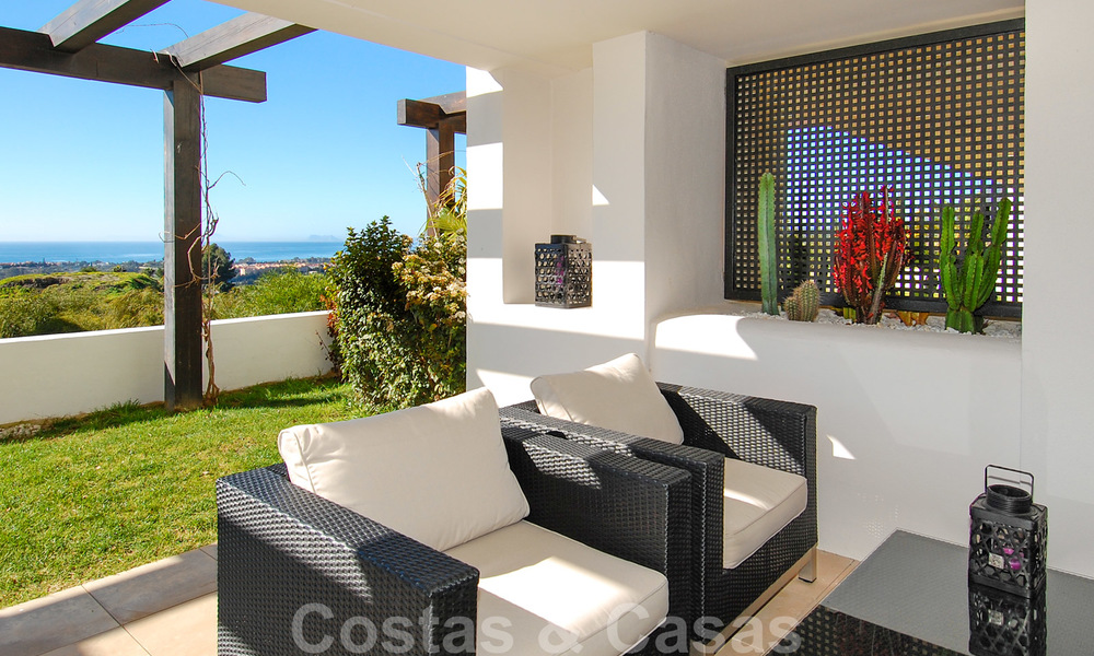 Alanda Los Flamingos Golf: Modern spacious luxury apartments with golf and sea views for sale in Marbella - Benahavis 24686