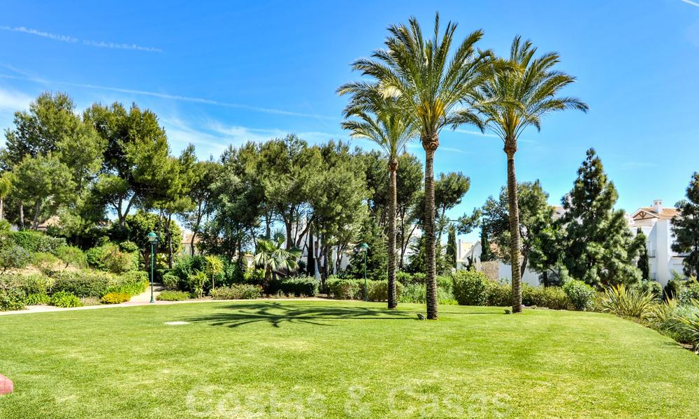 Los Monteros Palm Beach: Spacious luxury apartments and penthouses for sale in this prestigious first line beach and golf complex in La Reserva de Los Monteros in Marbella 24769