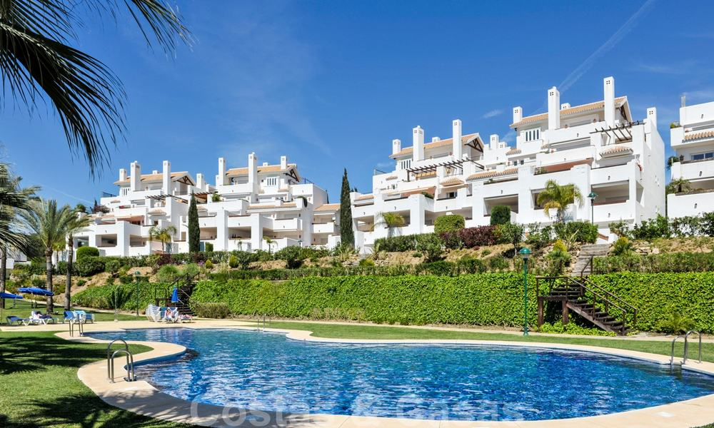 Los Monteros Palm Beach: Spacious luxury apartments and penthouses for sale in this prestigious first line beach and golf complex in La Reserva de Los Monteros in Marbella 24770