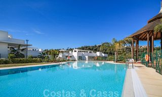 Modern apartment for sale overlooking the golf course in Benahavis - Marbella 24893