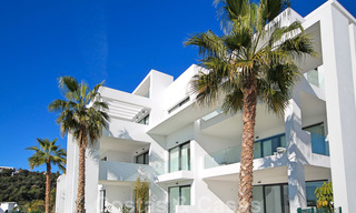 Modern apartment for sale overlooking the golf course in Benahavis - Marbella 24896