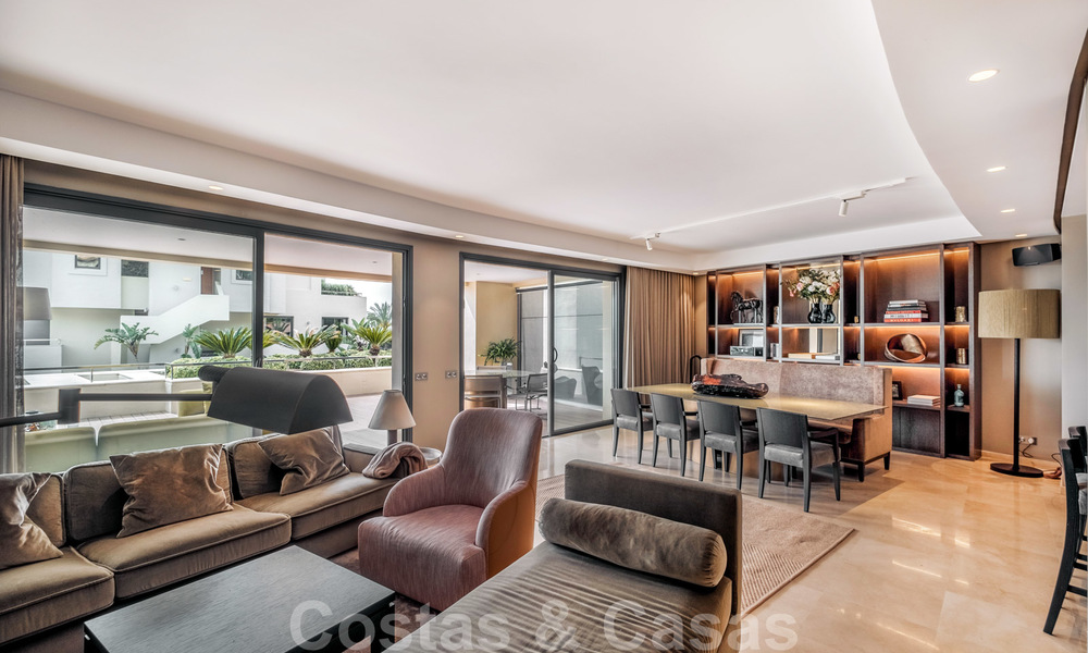 Exclusive modern apartment for sale with a contemporary luxury interior in Sierra Blanca, Golden Mile, Marbella 24973