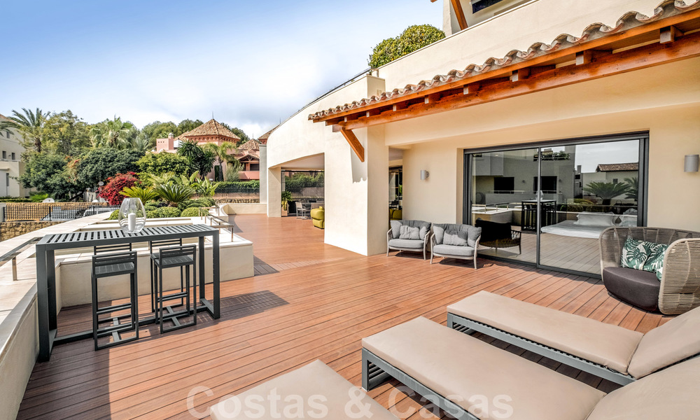 Exclusive modern apartment for sale with a contemporary luxury interior in Sierra Blanca, Golden Mile, Marbella 24985