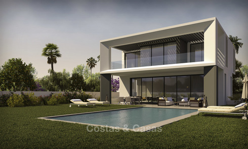 Building plots for sale with project and building permission near the beach, Puerto Banus, Marbella 24993