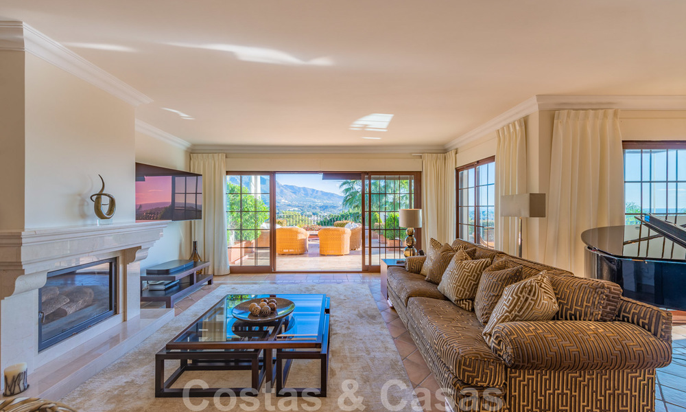 Large luxury villa for sale with stunning panoramic views over the golf valley, the mountains and the Mediterranean Sea in Nueva Andalucia, Marbella 25020