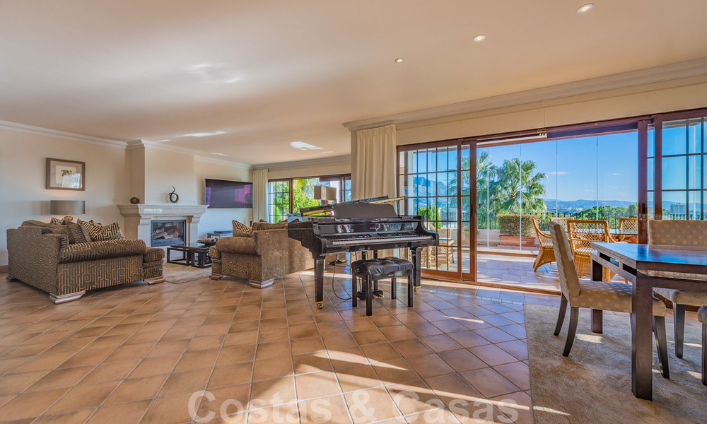 Large luxury villa for sale with stunning panoramic views over the golf valley, the mountains and the Mediterranean Sea in Nueva Andalucia, Marbella 25021