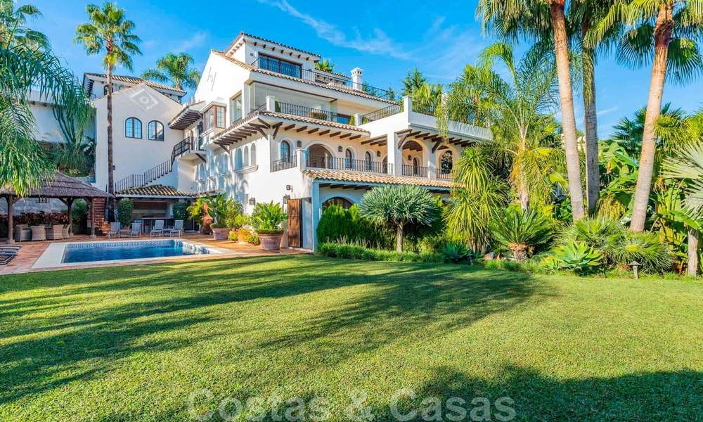 Large luxury villa for sale with stunning panoramic views over the golf valley, the mountains and the Mediterranean Sea in Nueva Andalucia, Marbella 25035