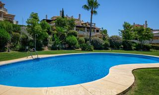 Spacious luxury apartments with a large terrace and panoramic views in a stylish complex surrounded by a golf course in Marbella - Benahavis 25157
