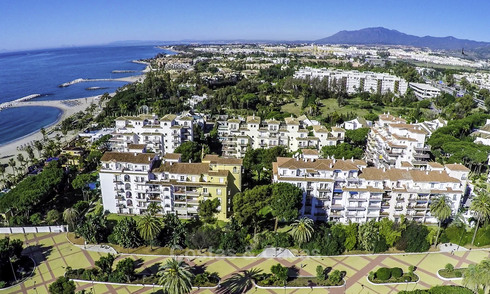 Beautiful renovated penthouse apartment for sale, in a second line beach complex in Puerto Banus, Marbella. Significant price reduction! 25430