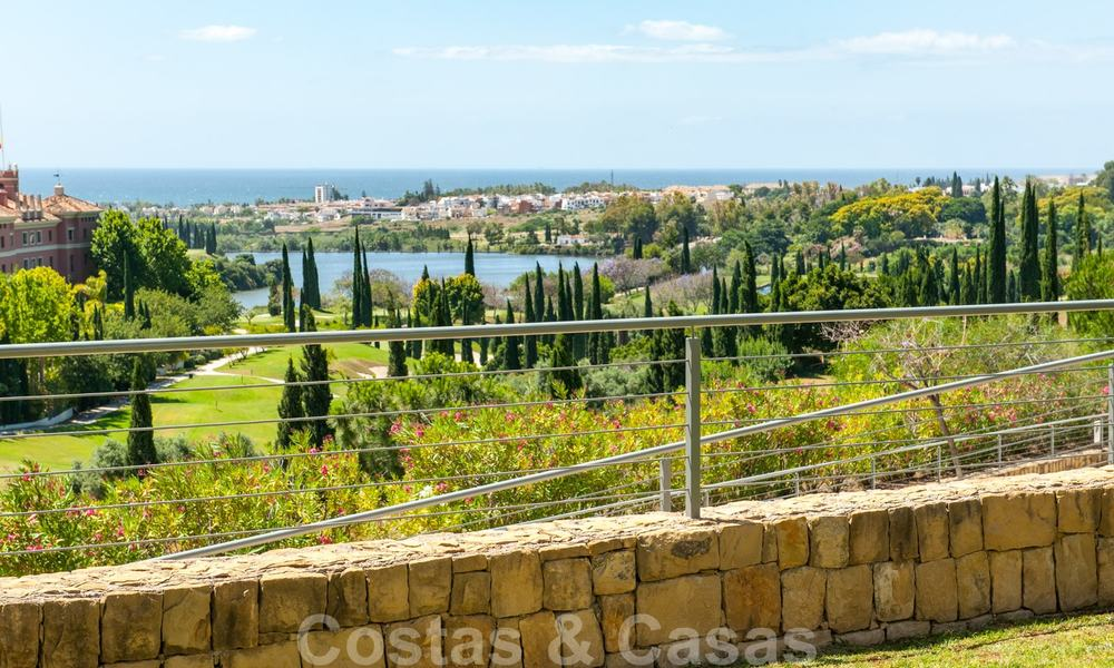 Modern front-line golf apartment with beautiful golf and sea views for sale in Los Flamingos Golf in Marbella - Benahavis 25133