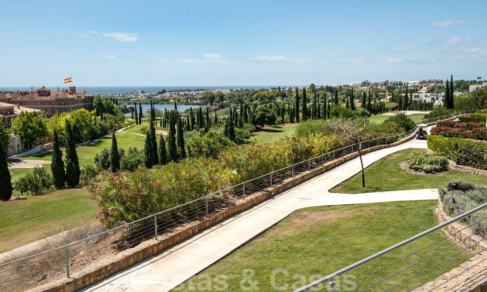 Modern front-line golf apartment with beautiful golf and sea views for sale in Los Flamingos Golf in Marbella - Benahavis 25134