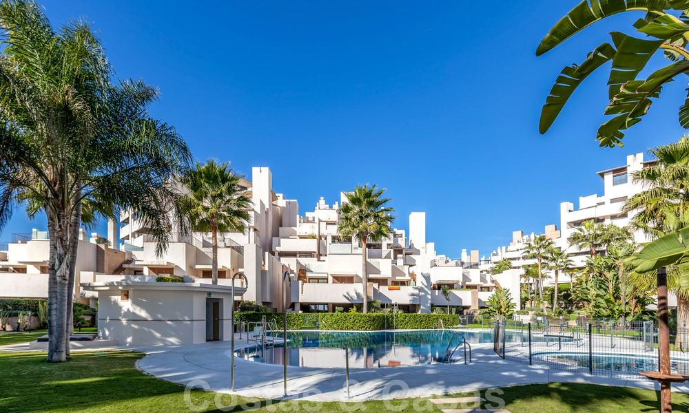 Modern apartment for sale in a frontline beach complex with sea views between Marbella and Estepona 25626