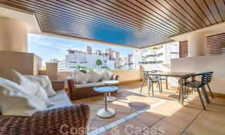 Modern apartment for sale in a frontline beach complex with sea views between Marbella and Estepona 25639