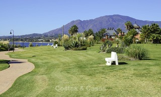 Sea - beach front line luxury apartments for sale, Marbella - Estepona 13767