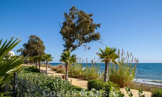 Modern apartment for sale in a first line beach complex with sea view, between Marbella and Estepona 25743