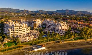 Modern penthouse for sale in a first line beach complex with private pool and sea views, between Marbella and Estepona 25782