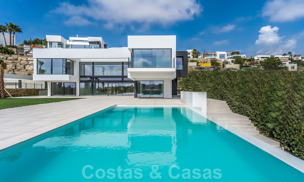 Ready to move in new modern luxury villa for sale, located directly on the golf course in Marbella - Benahavis 25856