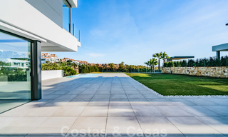 Ready to move in new modern luxury villa for sale, located directly on the golf course in Marbella - Benahavis 25862