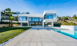 Ready to move in new modern luxury villa for sale, located directly on the golf course in Marbella - Benahavis 25864