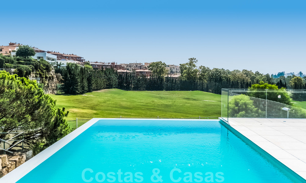 Ready to move in new modern luxury villa for sale, located directly on the golf course in Marbella - Benahavis 25867