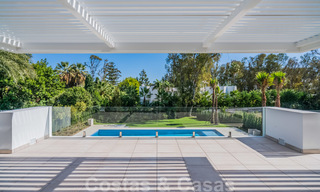 Move in ready, modern beachside villa for sale in the prestigious Guadalmina Baja in Marbella 26067