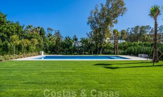 Move in ready, modern beachside villa for sale in the prestigious Guadalmina Baja in Marbella 26069