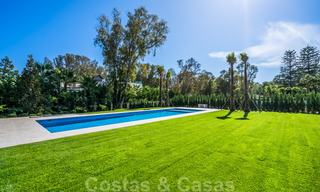 Move in ready, modern beachside villa for sale in the prestigious Guadalmina Baja in Marbella 26070