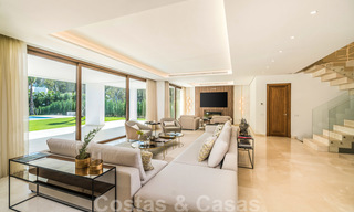 Move in ready, modern beachside villa for sale in the prestigious Guadalmina Baja in Marbella 26071