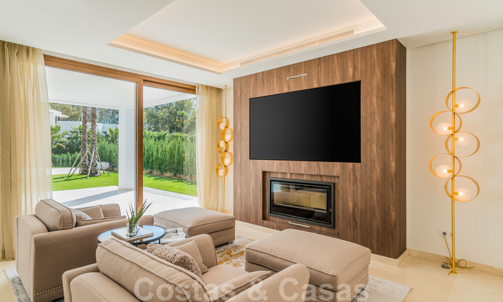 Move in ready, modern beachside villa for sale in the prestigious Guadalmina Baja in Marbella 26072