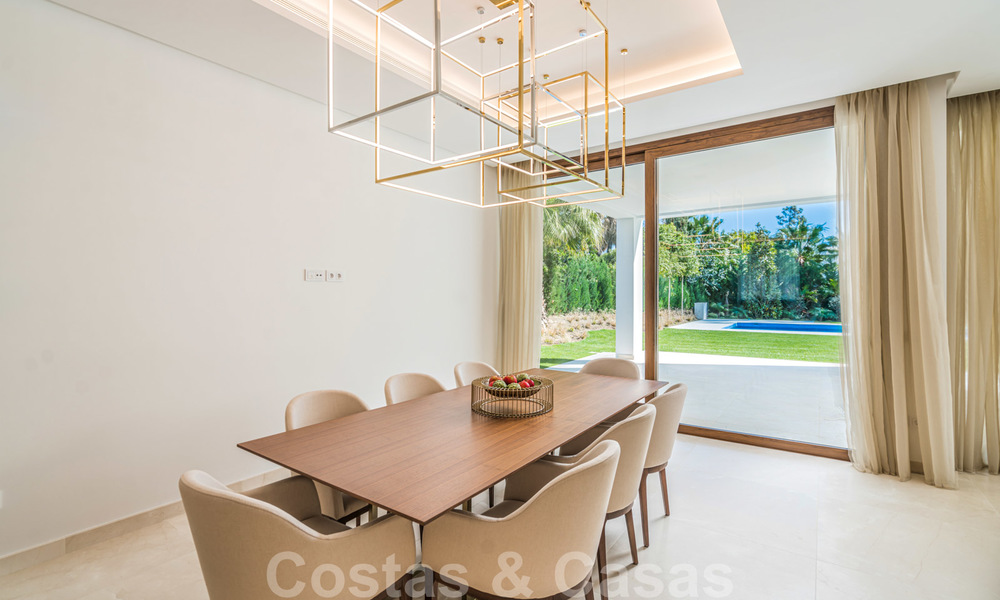 Move in ready, modern beachside villa for sale in the prestigious Guadalmina Baja in Marbella 26075