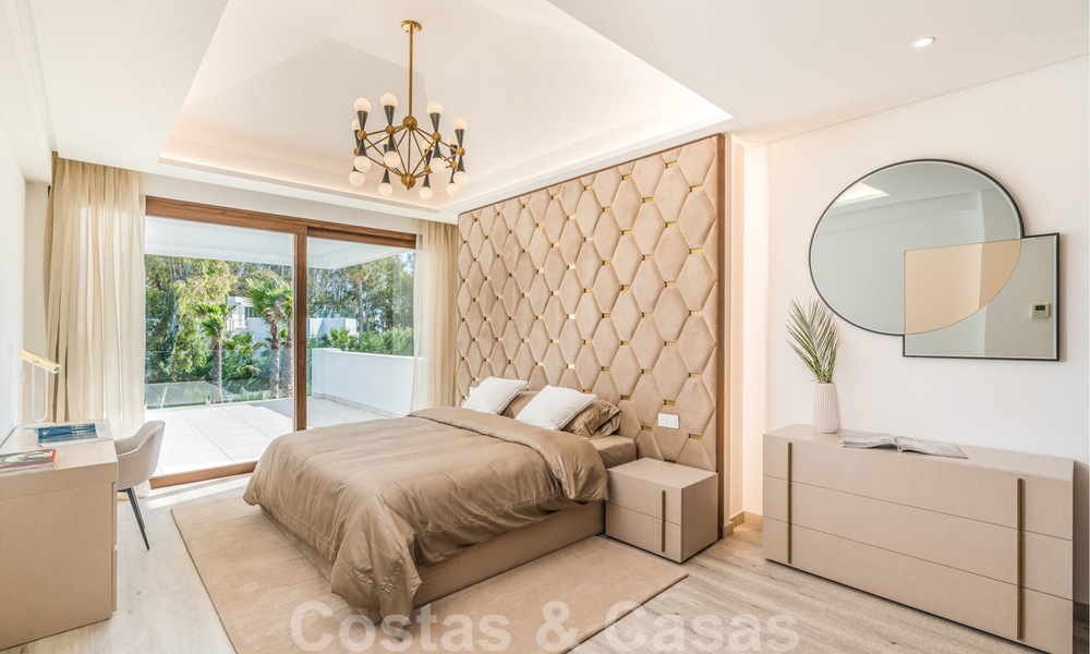 Move in ready, modern beachside villa for sale in the prestigious Guadalmina Baja in Marbella 26080