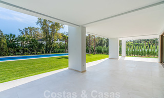Move in ready, modern beachside villa for sale in the prestigious Guadalmina Baja in Marbella 26086